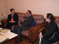 Meeting between the Governor of the Province of Jiangxi, China and the President and C.E.O. of CVMR®